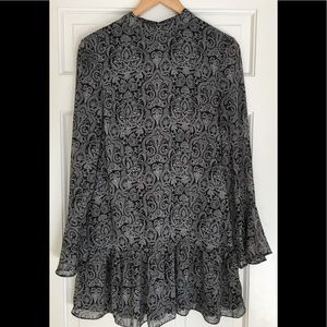 Black and white Paisley Print short dress